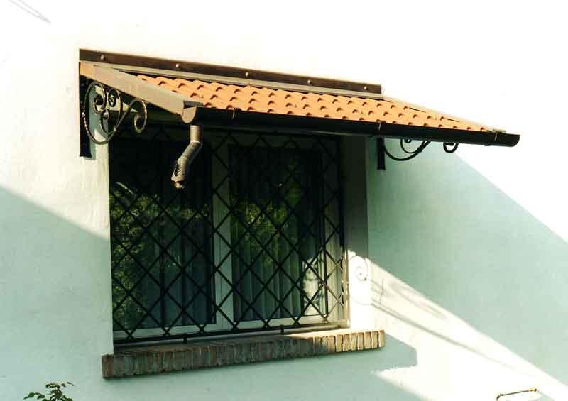 Coperture e tettoie installazioni infissi e serramenti - Tettoie per finestre ...